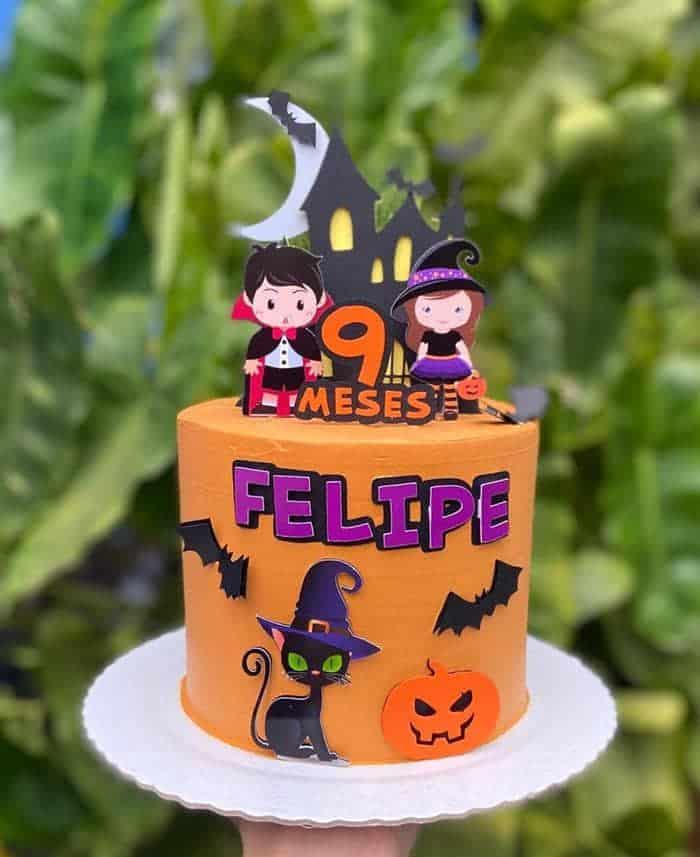 mesversario halloween bolo